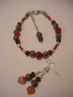 Sardonyx, freshwater pearl and crystal bracelet